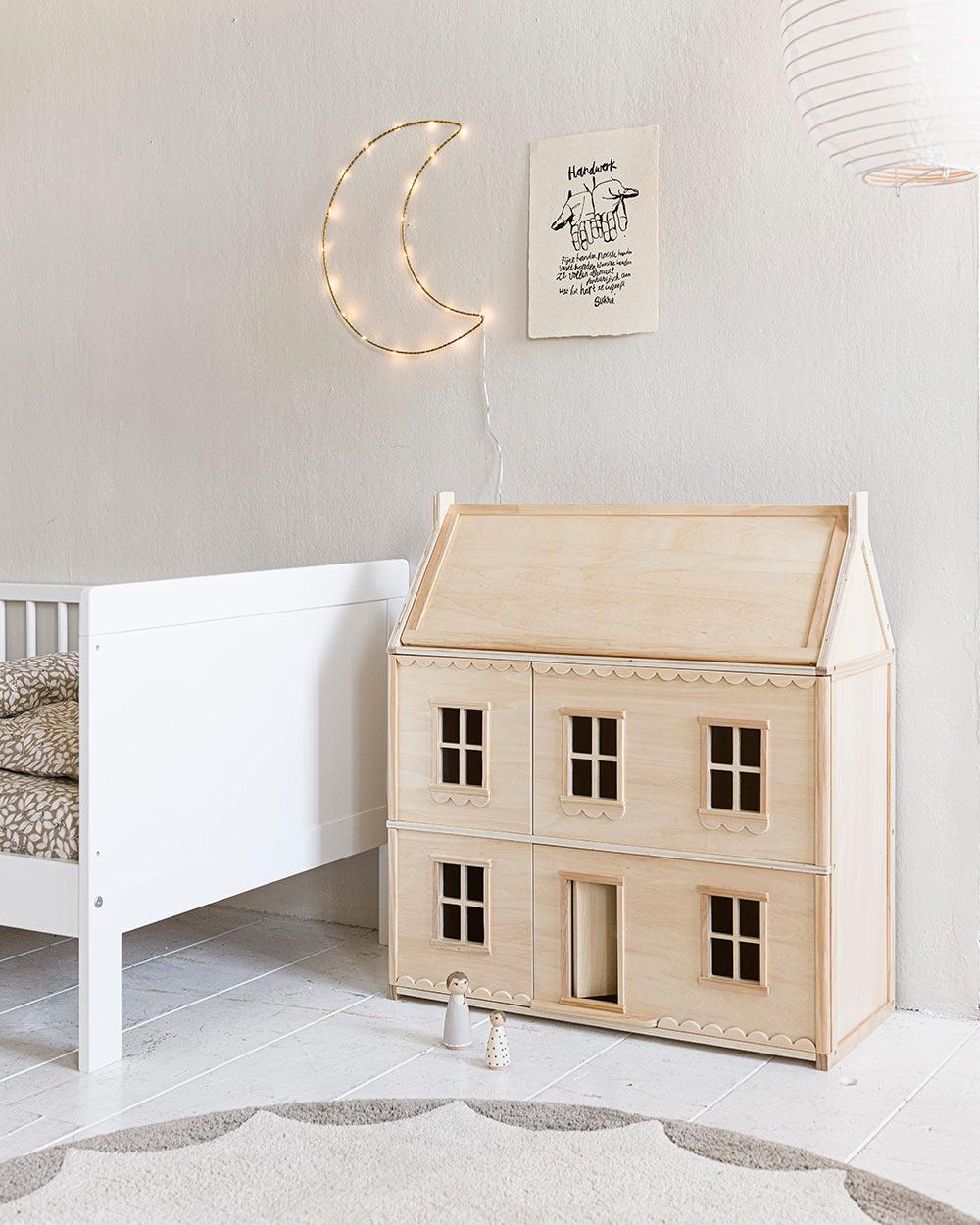 Maison de poupée bois La Parisienne par Petite Amélie