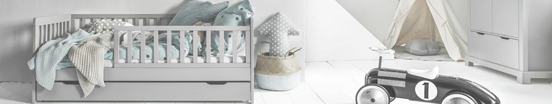 lit enfant Plume gris par Petite Amélie